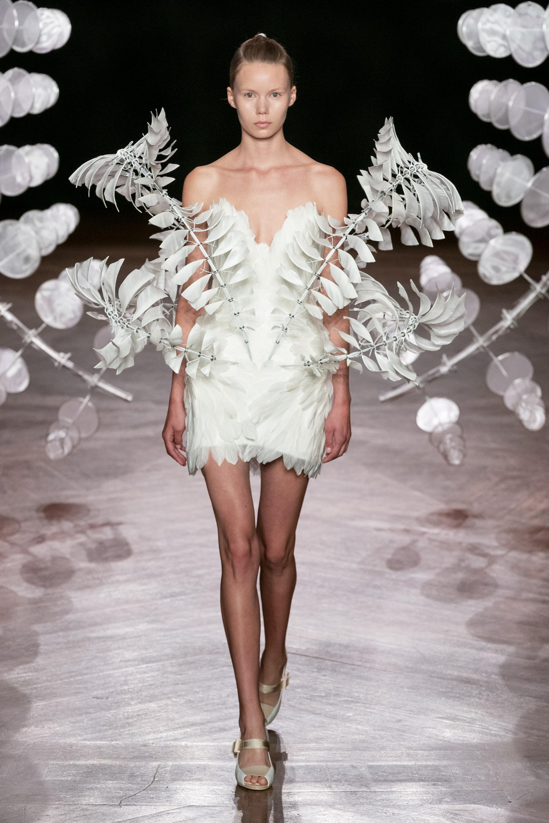 Iris van Herpen's Hypnotic Design New Clothes Blur the Limits of Art, Science and Fashion